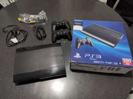Playstation 3 Ultra Slim, 2 joysticks + 30 juegos