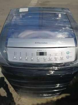 Lavadora electrolux de 26 libras con garantia