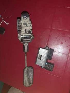 Pedal de aceleracion y modulo de inyectores