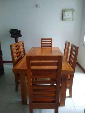 Comedor en madera teca, 6 puestos.