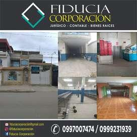 Se Vende Casa con Oficinas Y Bodegas - Machala