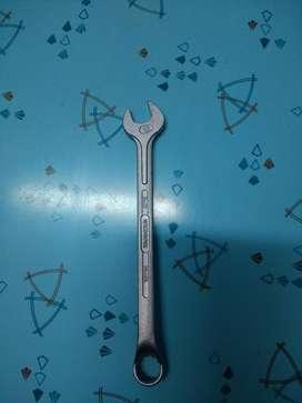 Vendo llave fija de 12 mm