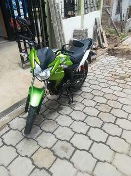 Honda cb 110 modelo 2014 color verde