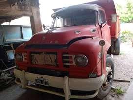 Camión con Caja Volcadora Chevrolet Bedford 1964