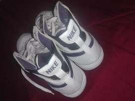Vendo zapatillas Nike de mujer