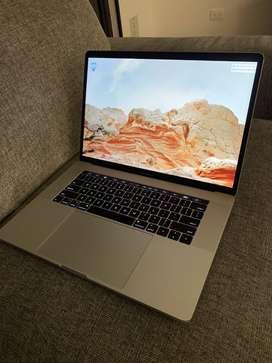 Macbook Pro Touch bar 15 pugladas 2017