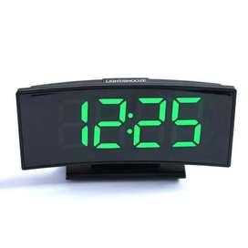 Reloj Digital Led de Mesa Con Alarma