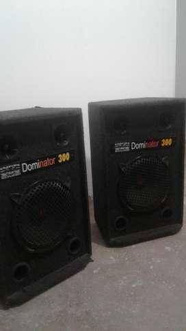 cabinas de sonido.