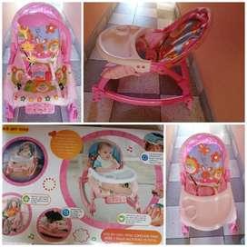 Mesa comedor para bebé y silla mecedora musical USADO