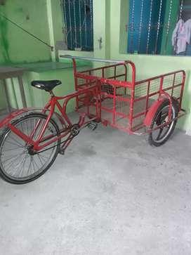Triciclo con aros de magnesio full carga excelente para trabajar