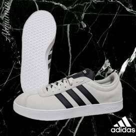 Promo Adidas: Tenis VL Court 2.0 Raw White.