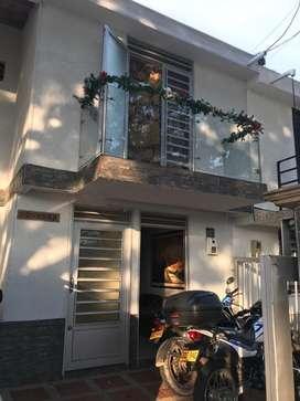 Se vede casa al frente del c.c. nuestro Cartago