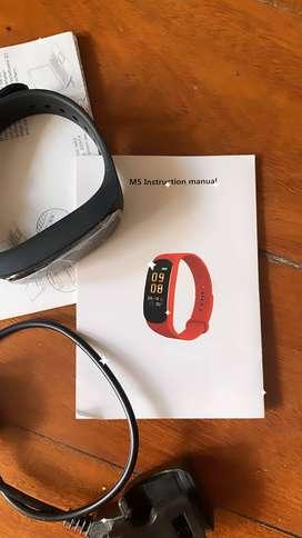My Closet Sale: Smartwatch Reloj 5 M5 Pro NUEVO