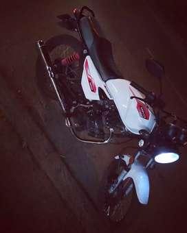 Vendo moto nkd 125 en buen estado