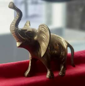 Figura en bronce (Elefante)