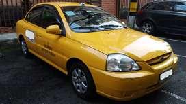 Taxi Kia Rio 2015, VENDO O PERMUTO 250.000 kilometros, documentos al dia seguros civil contractual y extracontractual.