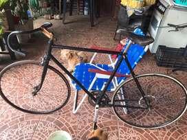 Vendo o permuto por cosas de mi interes, bicicleta de aluminio para ruta seminueva
