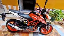 Vendo moto como nueva con 2500km de recorrido
