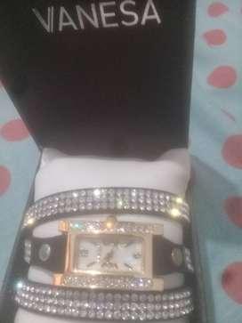 Vendo reloj FEVER de Vanesa