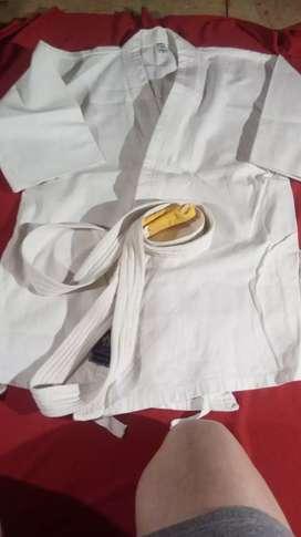 Karategui usado segunda mano  Ushuaia, Tierra del Fuego