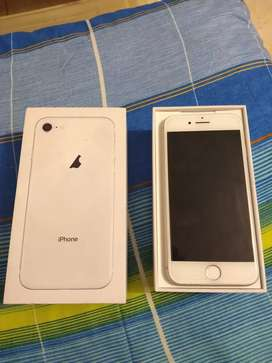 iPhone 8 sin audífonos