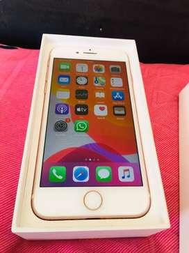 Se vende Iphone 7 gold Rose en 800,000 en muy buen estado.