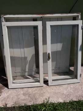 vendo ventana completa mide 1.20 de ancho por 1.10 de alto muy buena madera con los vidrios sanos