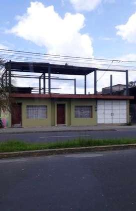 Casa en venta en la Avenida La Lorena