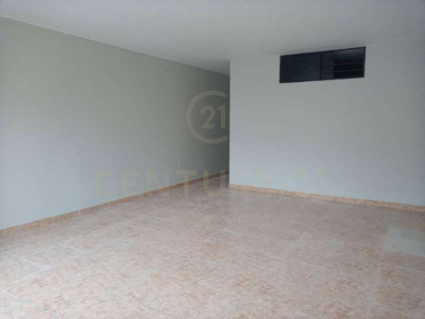 OCASIÓN DEPARTAMENTO EN PRIMER PISO URB. STA LUZMILA - COMAS 100 m2 0