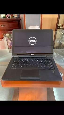 Dell latitude E7250 core i7 5th gen 16gb ram 500gb sólido pantalla touch batería nueva liviano delgado con mancha