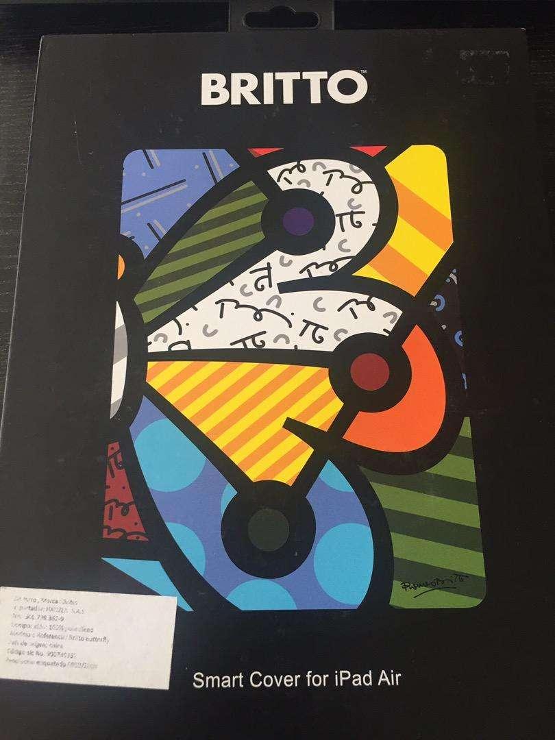 Se vende forro Britto para iPad Air nuevo.