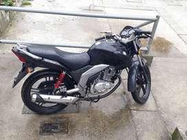 Moto suzuqui gsx