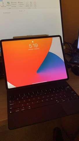 Ipad Pro 2020 12.9 Pulgadas wifi + celular 256G con Magic KeyBoard y Apple Pencil