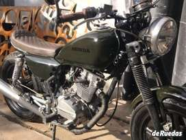 honda v-men 125 cafe racer