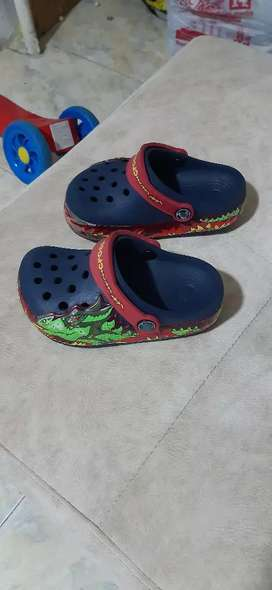 Vendo crocs originales