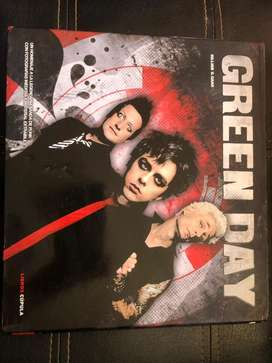 GREEN DAY HOMENAJE A LA LEGENDARIA BANDA DE PUNK