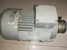 motor trifasico SIEMENS