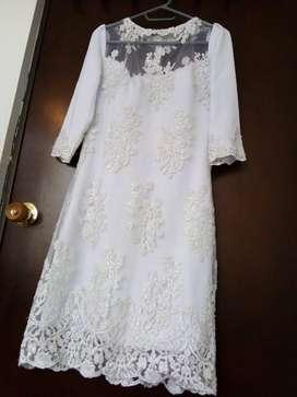 Exclusivo Vestido Corto de Hermosa Novia