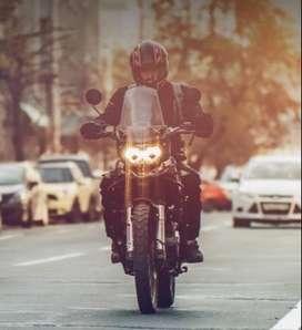 Cadete con moto con o sin experiencia