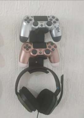 Soporte doble para controles ps4 + soporte de audifonos para pared