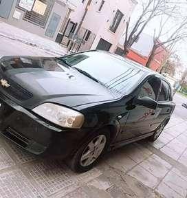 Vendo o permuto Chevrolet Astra modelo 2007