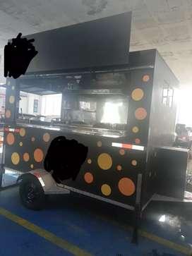 Vendo food truck en excelente estado listo para trabajar, equipado para comida rápida, secos etc.