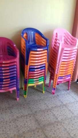 Alquiler de sillas para niños y adultos