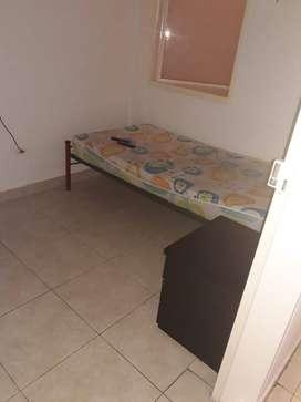 Se arrienda habitación amoblada ubicada en el centro de Armenia