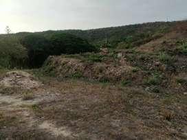 Vendo o permuto 4 lotes en villa santa helena de un area 1303m2 frente a la represa .