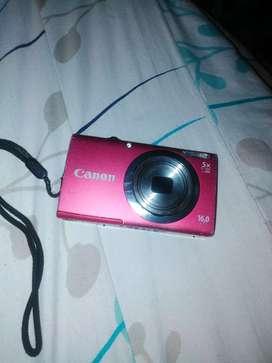 Una hermosa cámara  canon