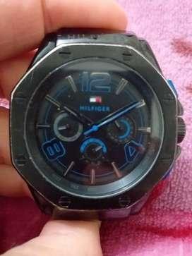 Reloj tomi a pila con malla de caucho muy bueno, usado segunda mano  Monserrat, Capital Federal