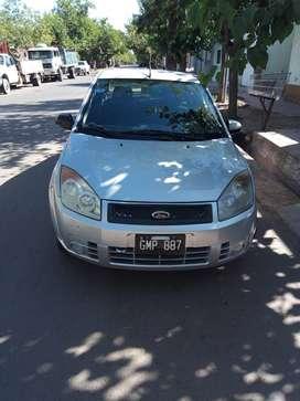 Ford Fiesta MAX con GNC.