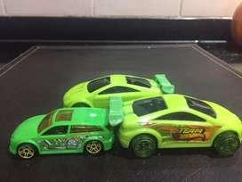 3 autos Hot Wheels a Friccion