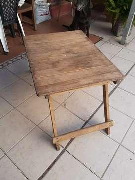 Mesa de madera pegable